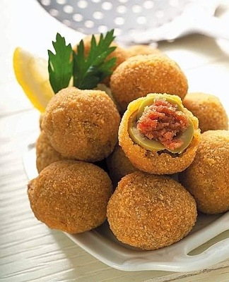 OLIVE ASCOLANA Recipe. Stuffed fried olives from Ascoli Piceno, Italy ...